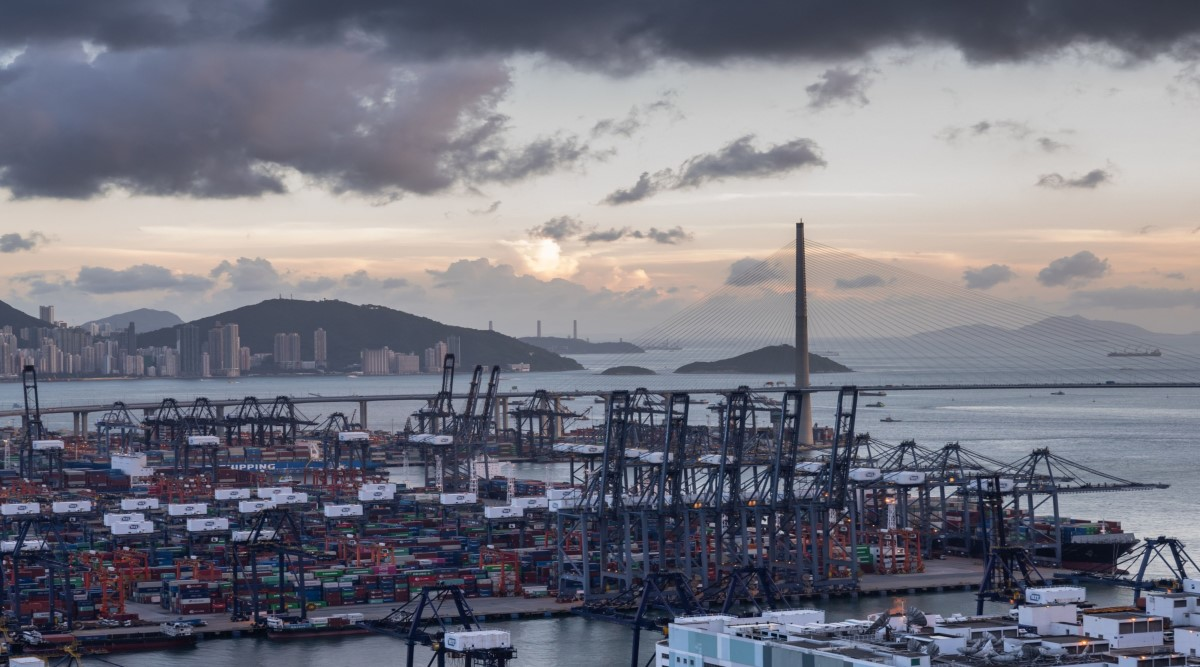 Will a Biden victory be a re-rating catalyst for Hutchison Port Holdings Trust?  - THE EDGE SINGAPORE