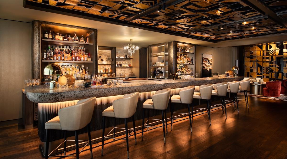 Tasty tipples at MO Bar - THE EDGE SINGAPORE
