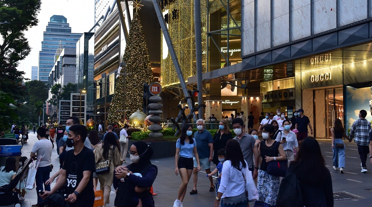 Physical stores show recovery amid sale season; retailers move online