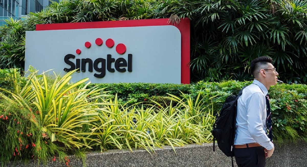 Singtel expects to include net exceptional losses of $839 mil and $1.21 bil for 2H21 and FY21