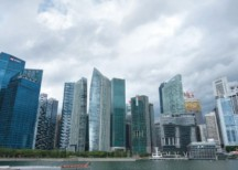 Blue chips pause, stymieing STI's upward momentum - THE EDGE SINGAPORE