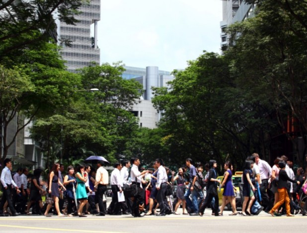 Government to support hiring of 200,000 locals and 35,000 trainees in 2022 - THE EDGE SINGAPORE