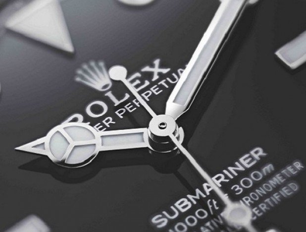 Rolex introduces the Oyster Perpetual Submariner and Oyster Perpetual Submariner Date