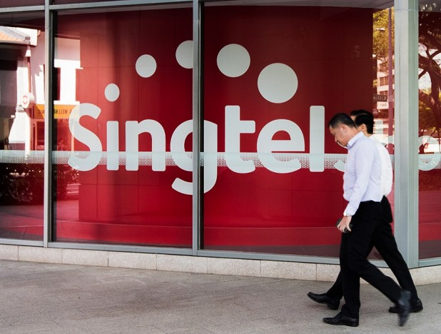 Singtel is back in the black in 1H with earnings of $466.1 mil - THE EDGE SINGAPORE