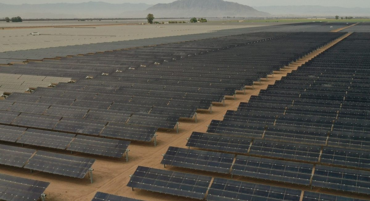 Solar energy stocks boost Asia hedge funds to beat global funds' 9.5% average returns - THE EDGE SINGAPORE