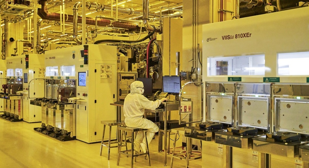 GlobalFoundries to invest US$4 billion for first Singapore expansion in over a decade - THE EDGE SINGAPORE