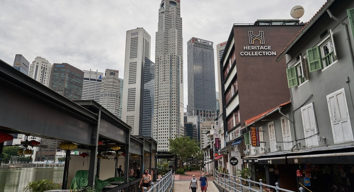 'Heightened alert' to delay, not derail, recovery; economy continues to restructure - THE EDGE SINGAPORE