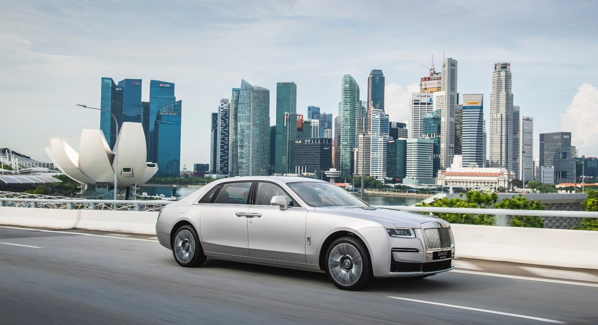 Reviewing the Rolls Royce Ghost Extended  - THE EDGE SINGAPORE