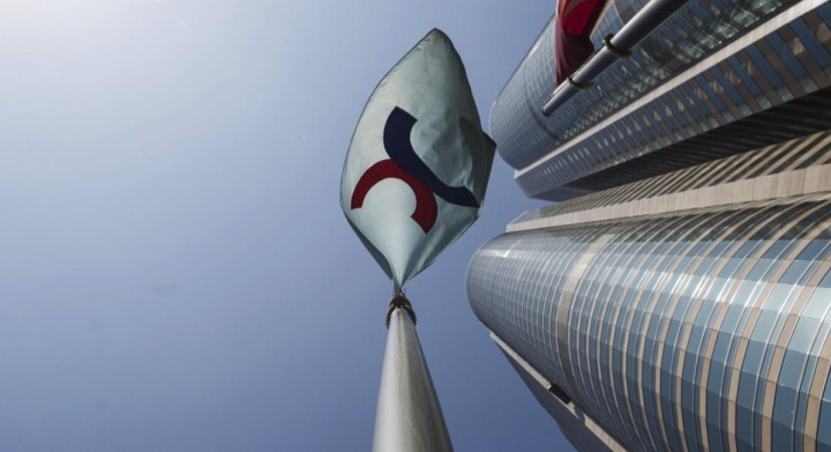 Hongkong Land shares surge on US$500 mil share buyback plan - THE EDGE SINGAPORE