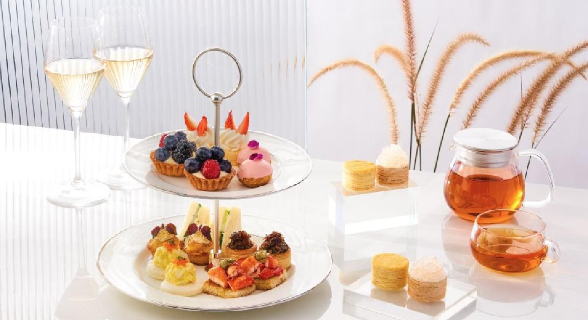 Week out: Royal Albatross dinner cruise, Faghag, Lady M Champagne Bar, Da Vinci, The Exhibition - THE EDGE SINGAPORE