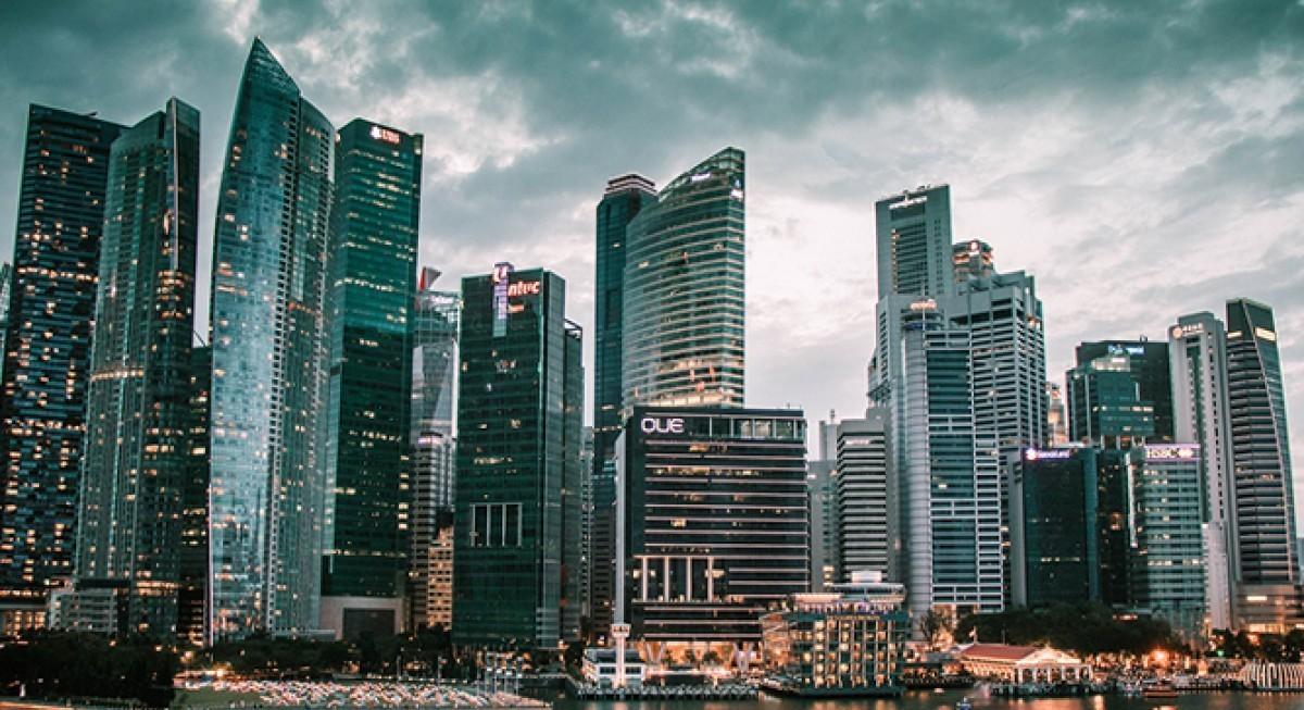 Analysts upbeat on Singapore recovery, while predicting a slowdown in growth momentum in 4Q - THE EDGE SINGAPORE