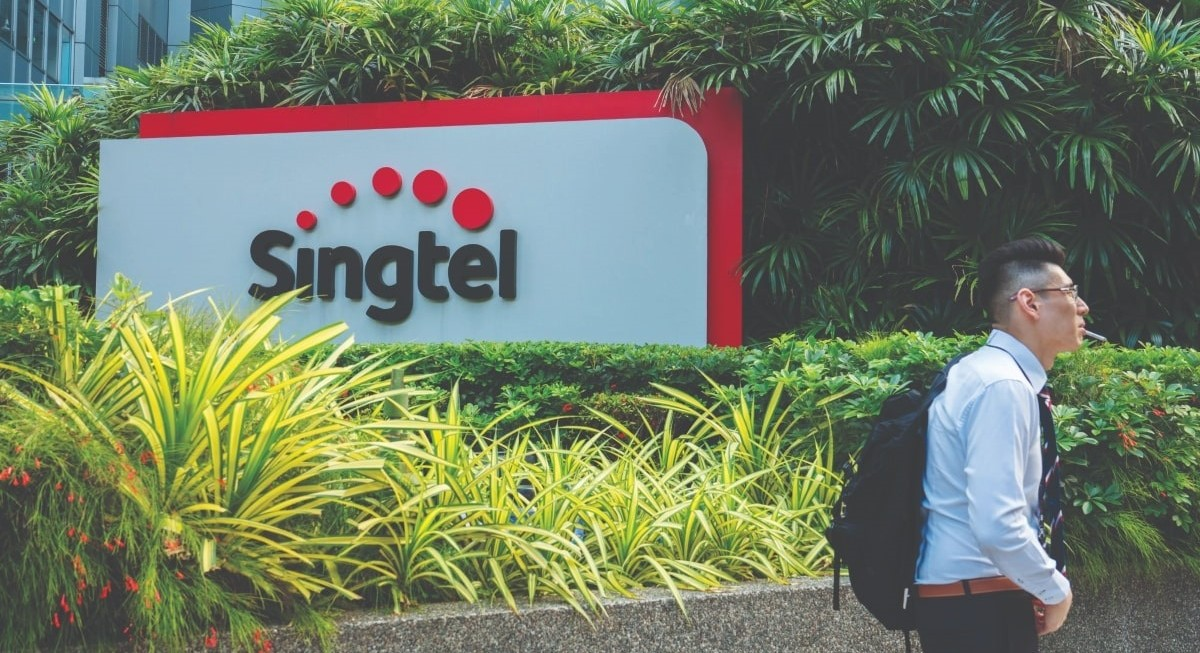Singtel is back on the line - THE EDGE SINGAPORE