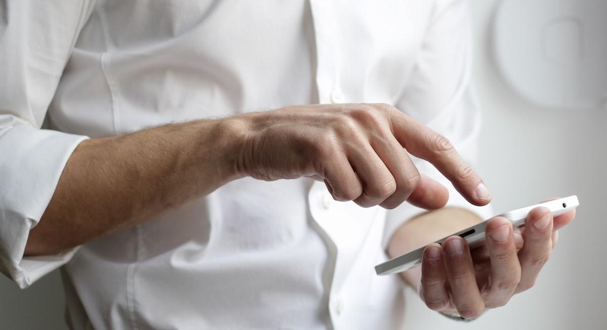 RHB 'neutral' on telco sector; Singtel as top pick - THE EDGE SINGAPORE