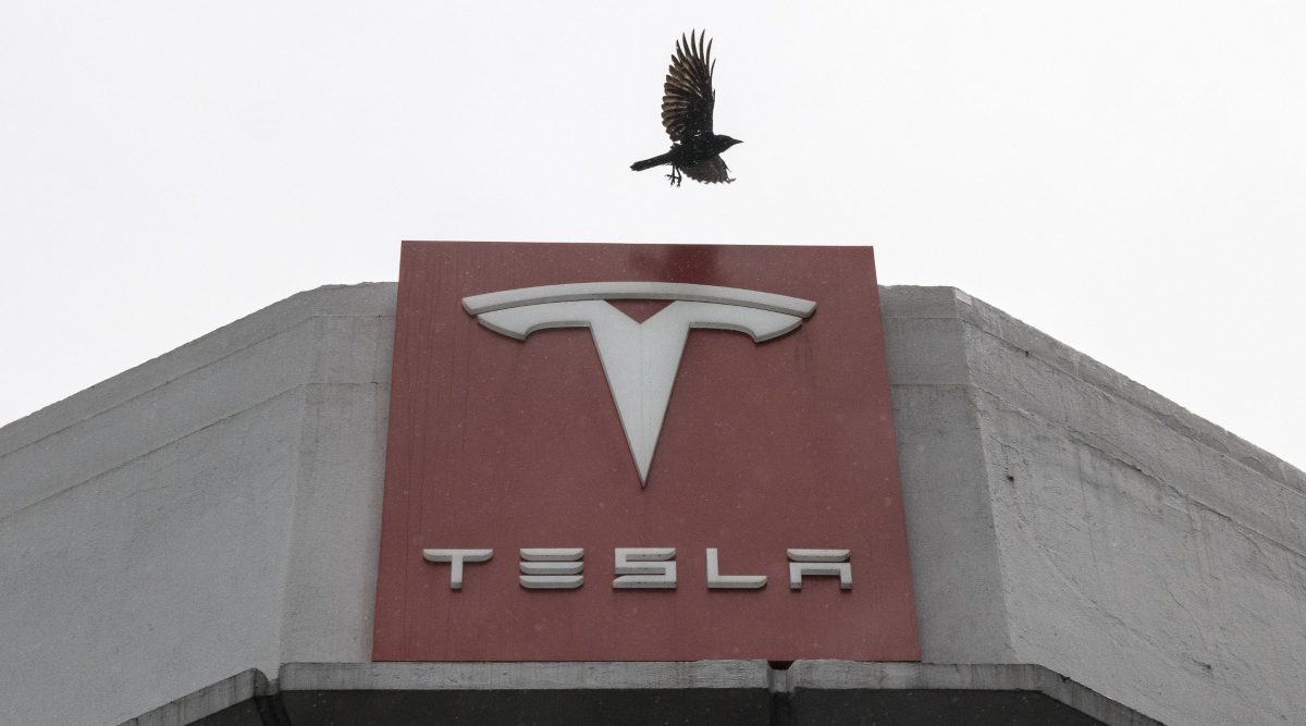 Are Tesla's shares worth US$90 or US$780? Wall Street can't decide